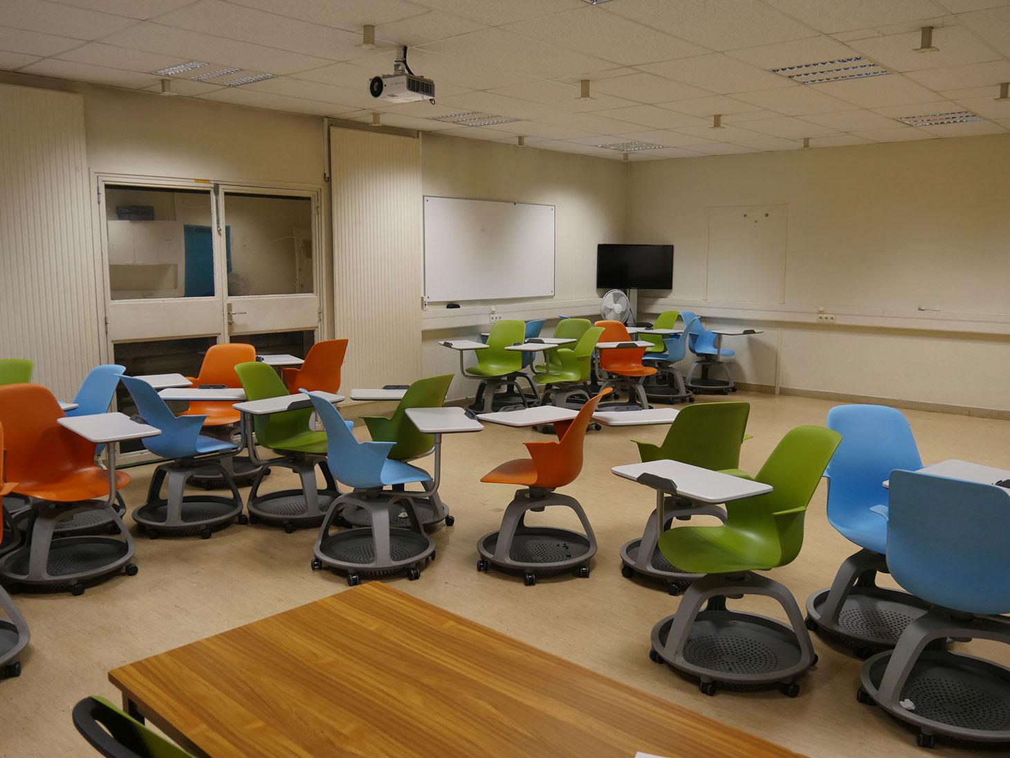 Salle PECT (Pédagogie en Environnement Collaboratif et Technologique)